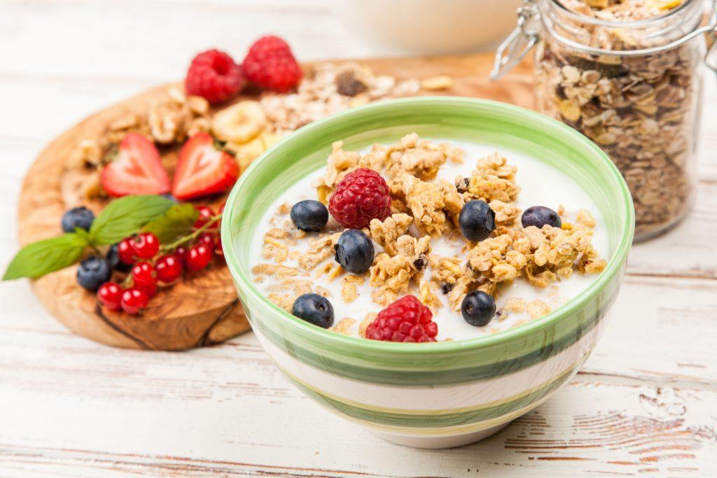 Tazon de yogurt con frutas